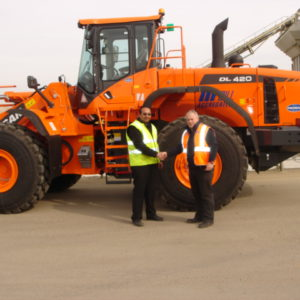 GILL TAKES DELIVERY OF DOOSAN DL420 WHEELOADERS